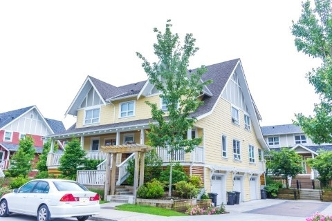 Main Photo: 276 CAMATA Street in New Westminster: Queensborough Townhouse for sale : MLS(r) # R2179574