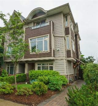Main Photo: 2022 FRASER Avenue in Port Coquitlam: Glenwood PQ Condo for sale : MLS®# R2179901