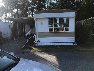 "Main Photo: 89 8560 156 Street in Surrey: Fleetwood Tynehead Manufactured Home for sale in ""West Villa"" : MLS® # R2191955"