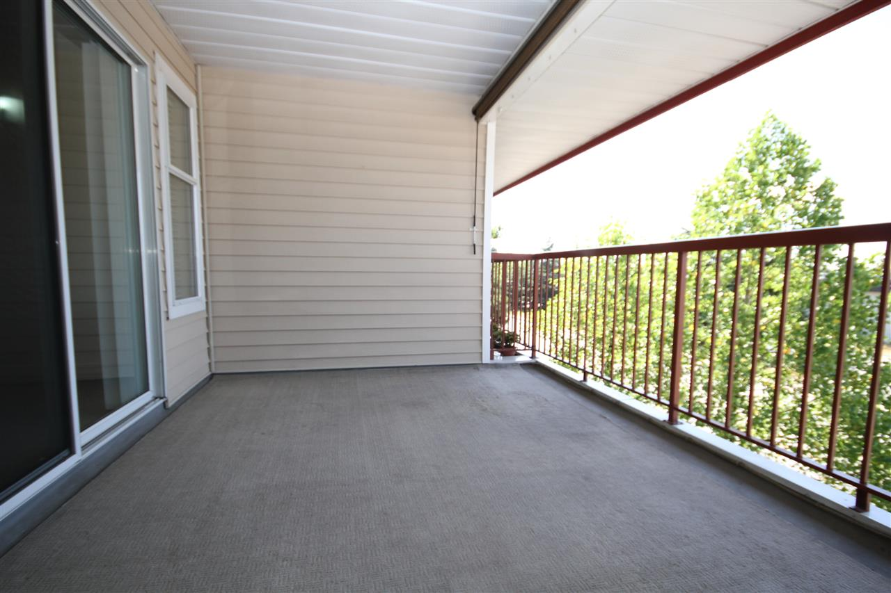 Large Deck with room for sitting and dining