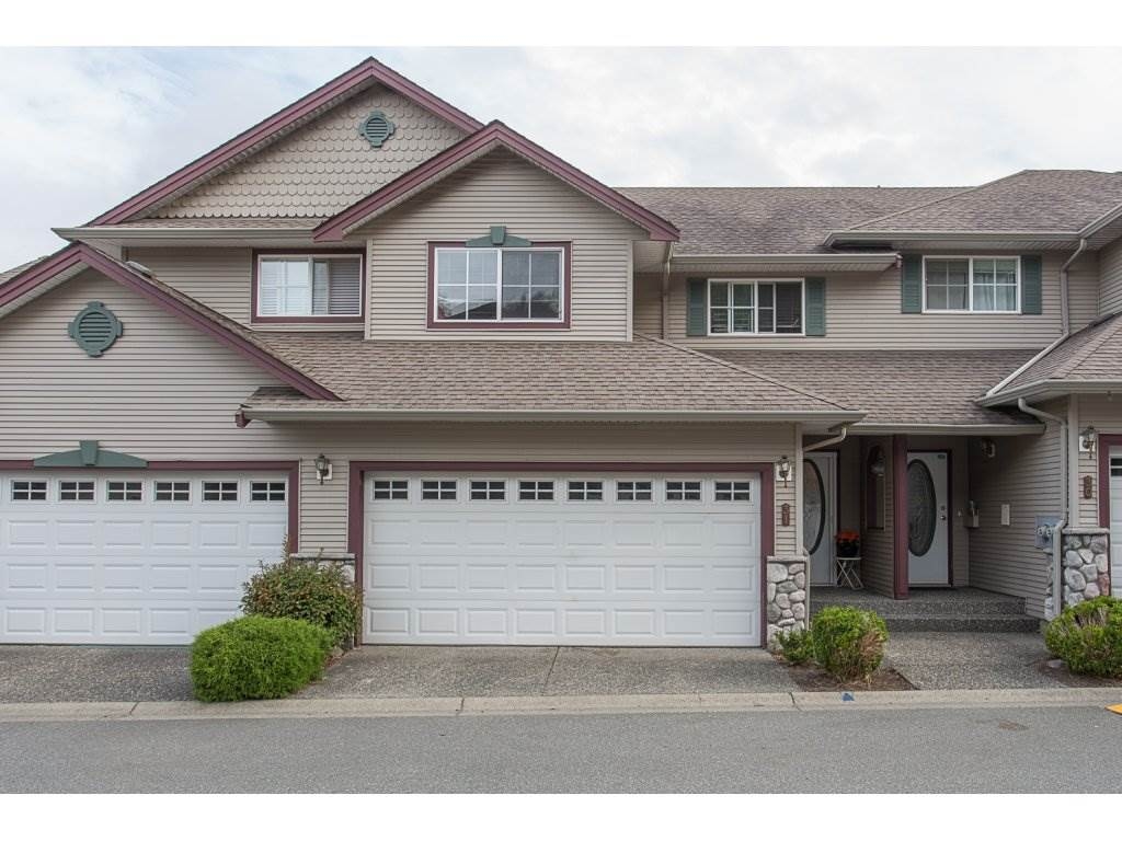"Main Photo: 31 46360 VALLEYVIEW Road in Sardis: Promontory Townhouse for sale in ""Apple Creek"" : MLS® # R2204491"