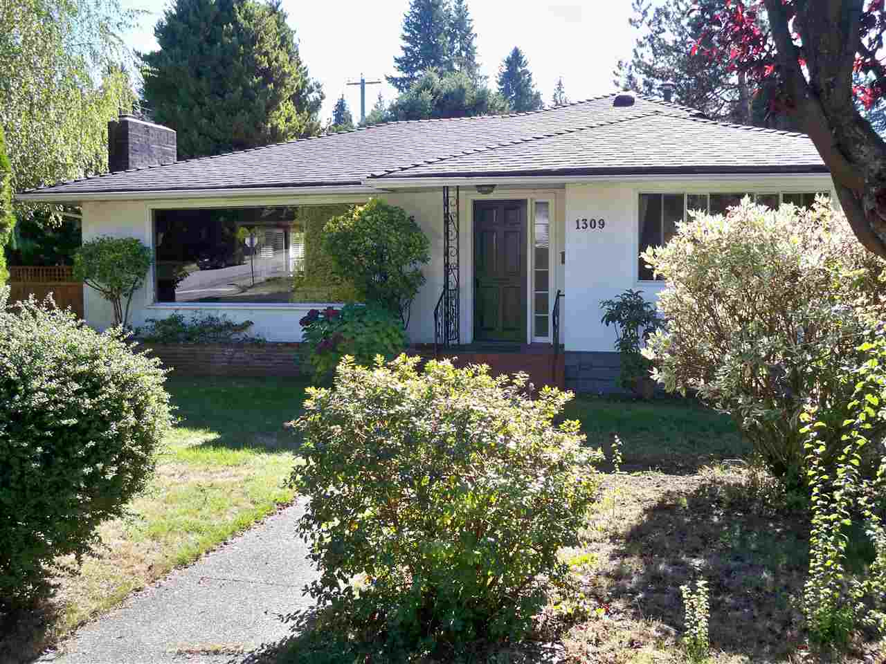 "Main Photo: 1309 W 23RD Street in North Vancouver: Pemberton Heights House for sale in ""PEMBERTON HEIGHTS"" : MLS® # R2213518"