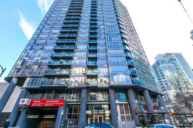 "Main Photo: 807 788 HAMILTON Street in Vancouver: Downtown VW Condo for sale in ""TV TOWERS 1"" (Vancouver West)  : MLS®# R2217975"