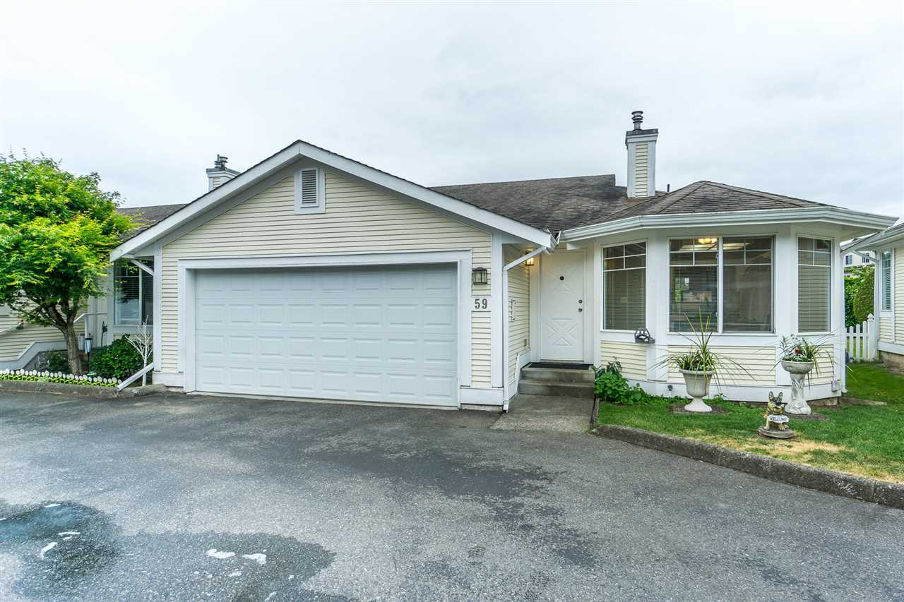 "Main Photo: 59 20761 TELEGRAPH Trail in Langley: Walnut Grove Townhouse for sale in ""WOODBRIDGE ESTATES"" : MLS®# R2288894"