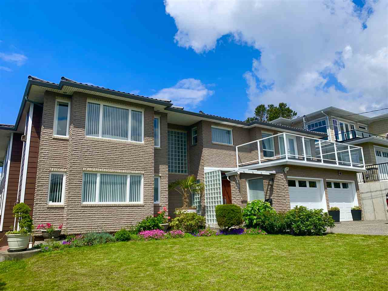 FEATURED LISTING: 1081 LEE Street White Rock
