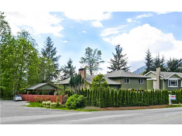 Main Photo: 2190 SKYLINE Drive in Squamish: Garibaldi Highlands House for sale : MLS® # V933722