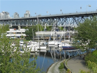Main Photo: 407 1551 Mariner Walk in Vancouver: Condo for sale : MLS® # V966325