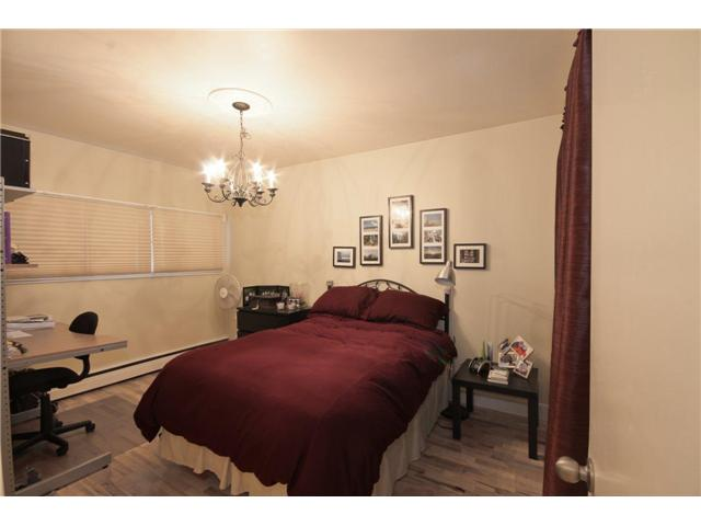 Photo 5: 237 8239 ELBOW Drive SW in Calgary: Chinook Park Condo for sale : MLS(r) # C3543400