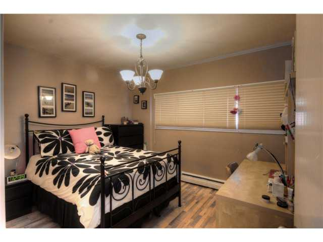 Photo 6: 237 8239 ELBOW Drive SW in Calgary: Chinook Park Condo for sale : MLS(r) # C3543400