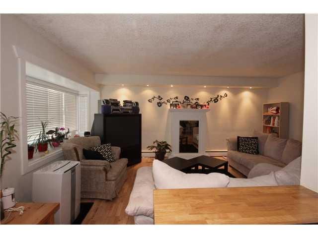 Photo 2: 237 8239 ELBOW Drive SW in Calgary: Chinook Park Condo for sale : MLS(r) # C3543400