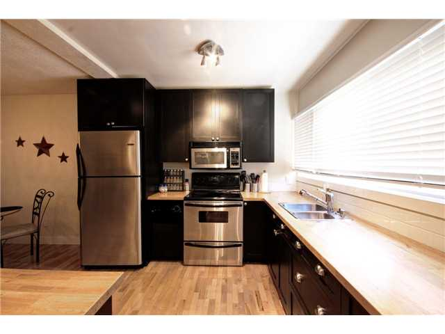 Photo 3: 237 8239 ELBOW Drive SW in Calgary: Chinook Park Condo for sale : MLS(r) # C3543400