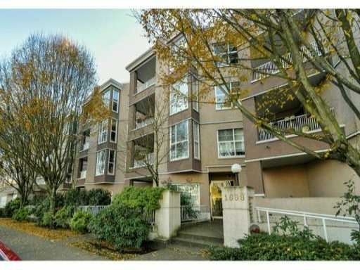 Main Photo: 306 1688 E 8TH Avenue in Vancouver: Grandview VE Condo for sale (Vancouver East)  : MLS® # V1040134