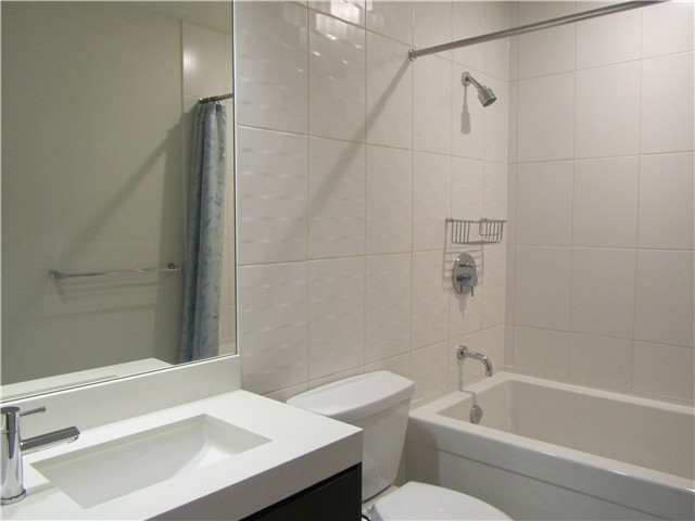 "Photo 13: 404 1088 W 14TH Avenue in Vancouver: Fairview VW Condo for sale in ""COCO"" (Vancouver West)  : MLS(r) # V1044068"