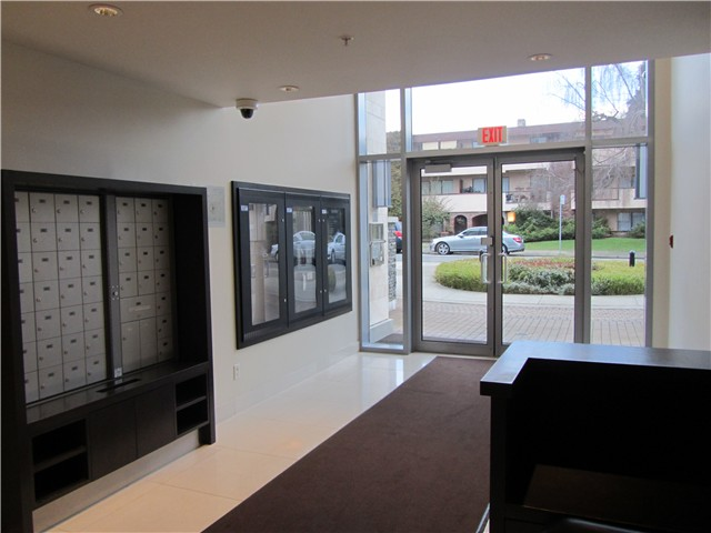 "Photo 18: 404 1088 W 14TH Avenue in Vancouver: Fairview VW Condo for sale in ""COCO"" (Vancouver West)  : MLS(r) # V1044068"