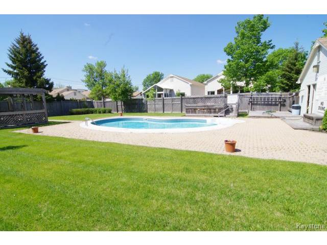 Photo 19: 6645 Roblin Boulevard in WINNIPEG: Charleswood Condominium for sale (South Winnipeg)  : MLS(r) # 1413051