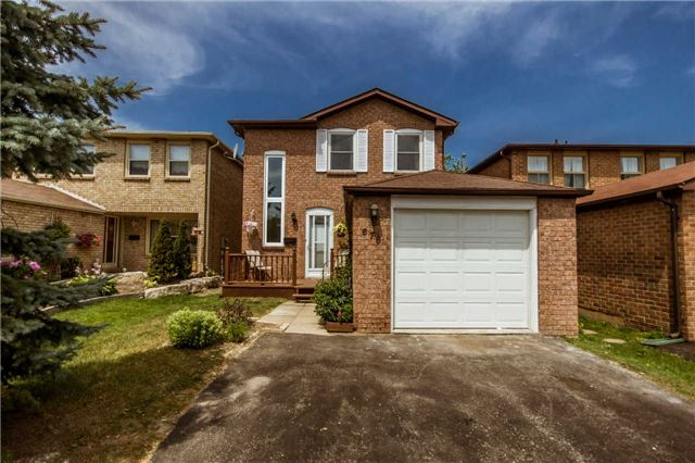 Main Photo: 678 Sultana Square in Pickering: Amberlea House (2-Storey) for sale : MLS®# E3277472
