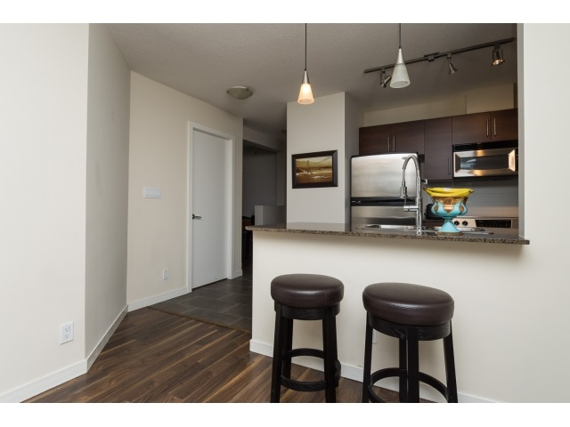 "Photo 7: 1206 813 AGNES Street in New Westminster: Downtown NW Condo for sale in ""NEWS"" : MLS(r) # R2022858"