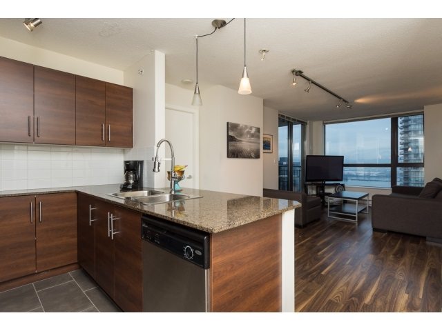 "Photo 8: 1206 813 AGNES Street in New Westminster: Downtown NW Condo for sale in ""NEWS"" : MLS(r) # R2022858"
