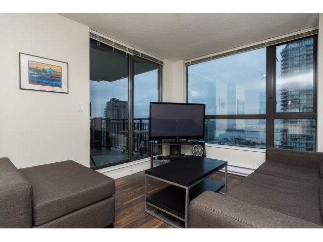 "Photo 3: 1206 813 AGNES Street in New Westminster: Downtown NW Condo for sale in ""NEWS"" : MLS(r) # R2022858"