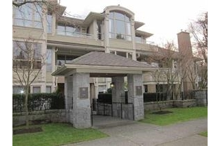 "Main Photo: 101 3790 W 7TH Avenue in Vancouver: Point Grey Condo for sale in ""THE CUMBERLAND"" (Vancouver West)  : MLS®# R2114702"