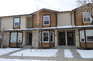 Main Photo: 44, 10205 158 Avenue NW in Edmonton: Zone 27 Townhouse for sale : MLS(r) # E4054934