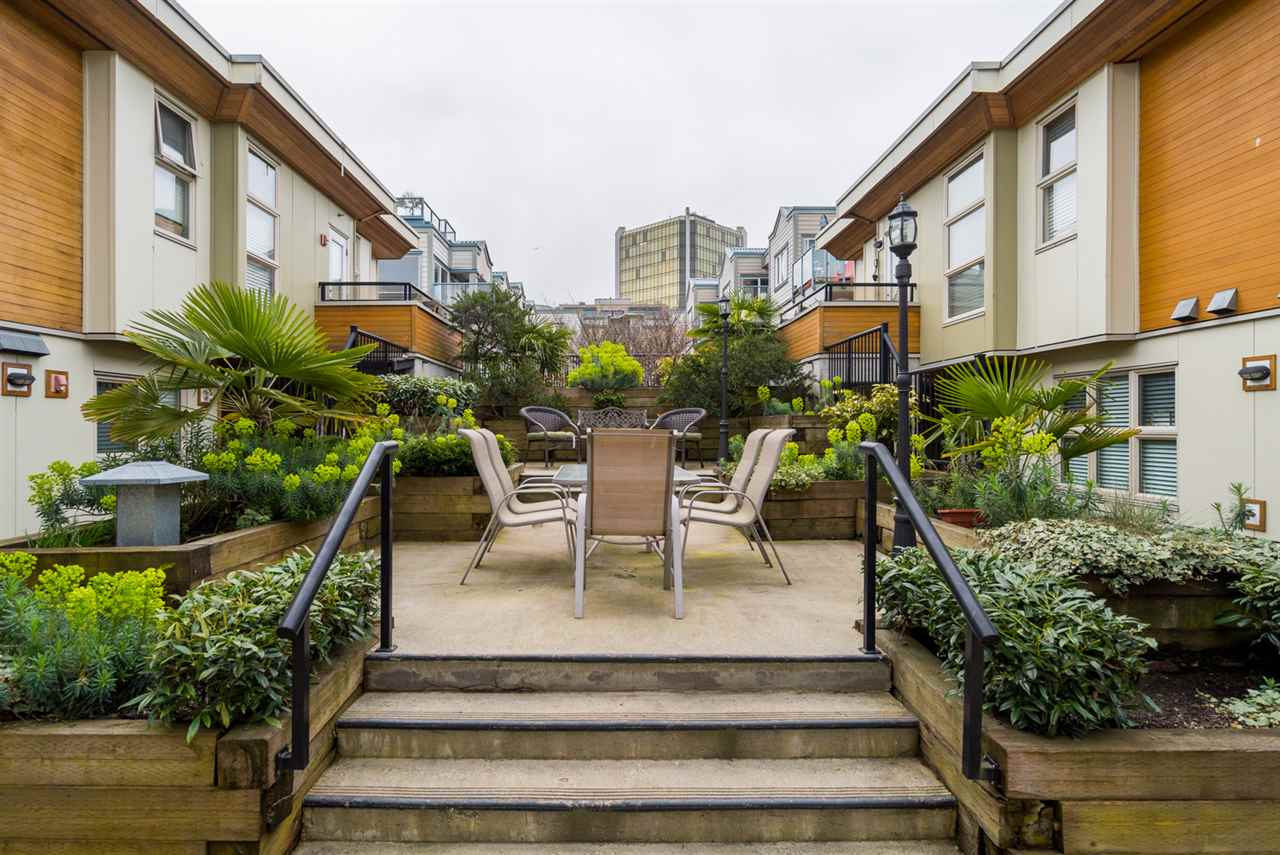 "Photo 18: 17 628 W 6TH Avenue in Vancouver: Fairview VW Townhouse for sale in ""Stella Del Fiordo"" (Vancouver West)  : MLS® # R2155688"