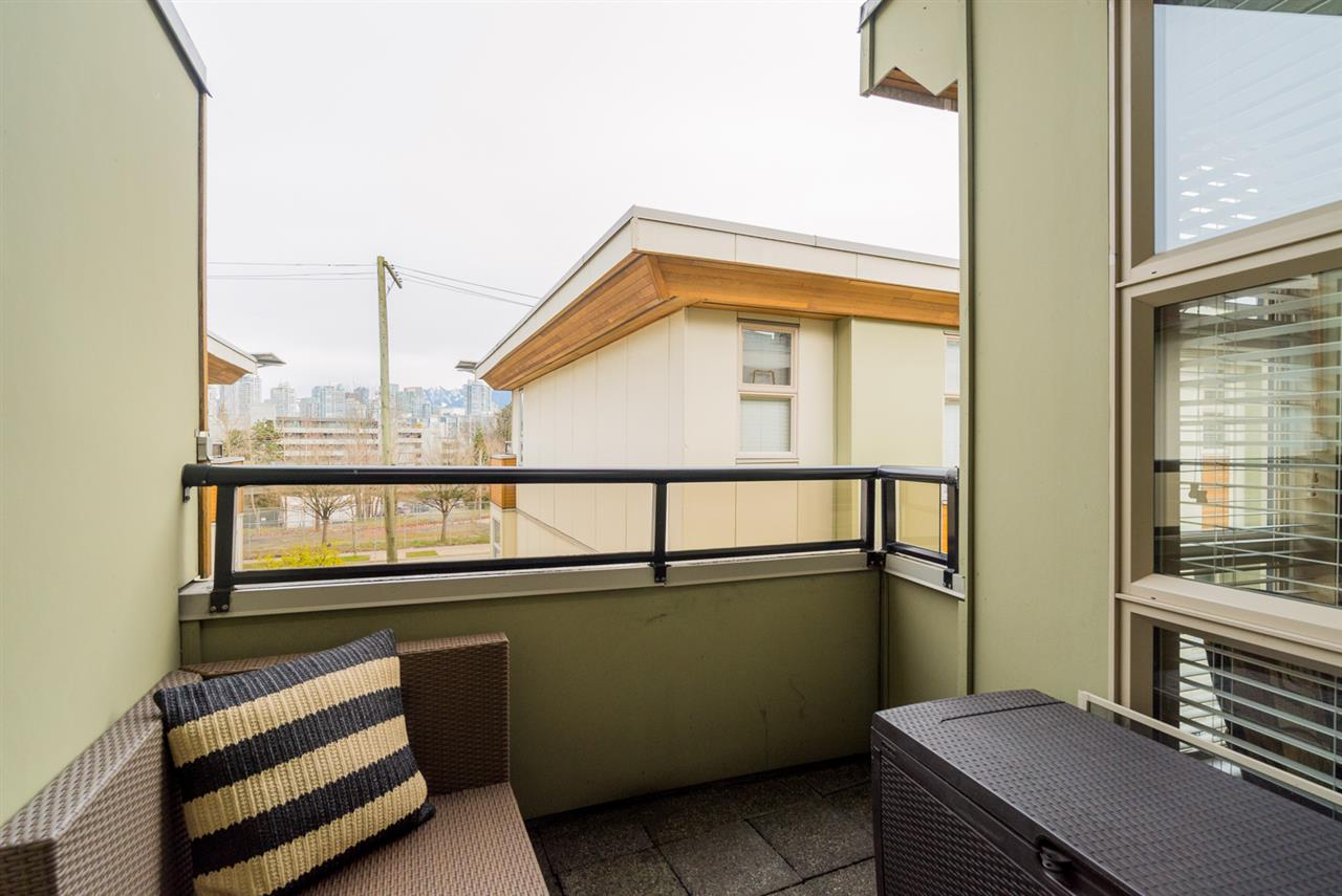"Photo 14: 17 628 W 6TH Avenue in Vancouver: Fairview VW Townhouse for sale in ""Stella Del Fiordo"" (Vancouver West)  : MLS® # R2155688"