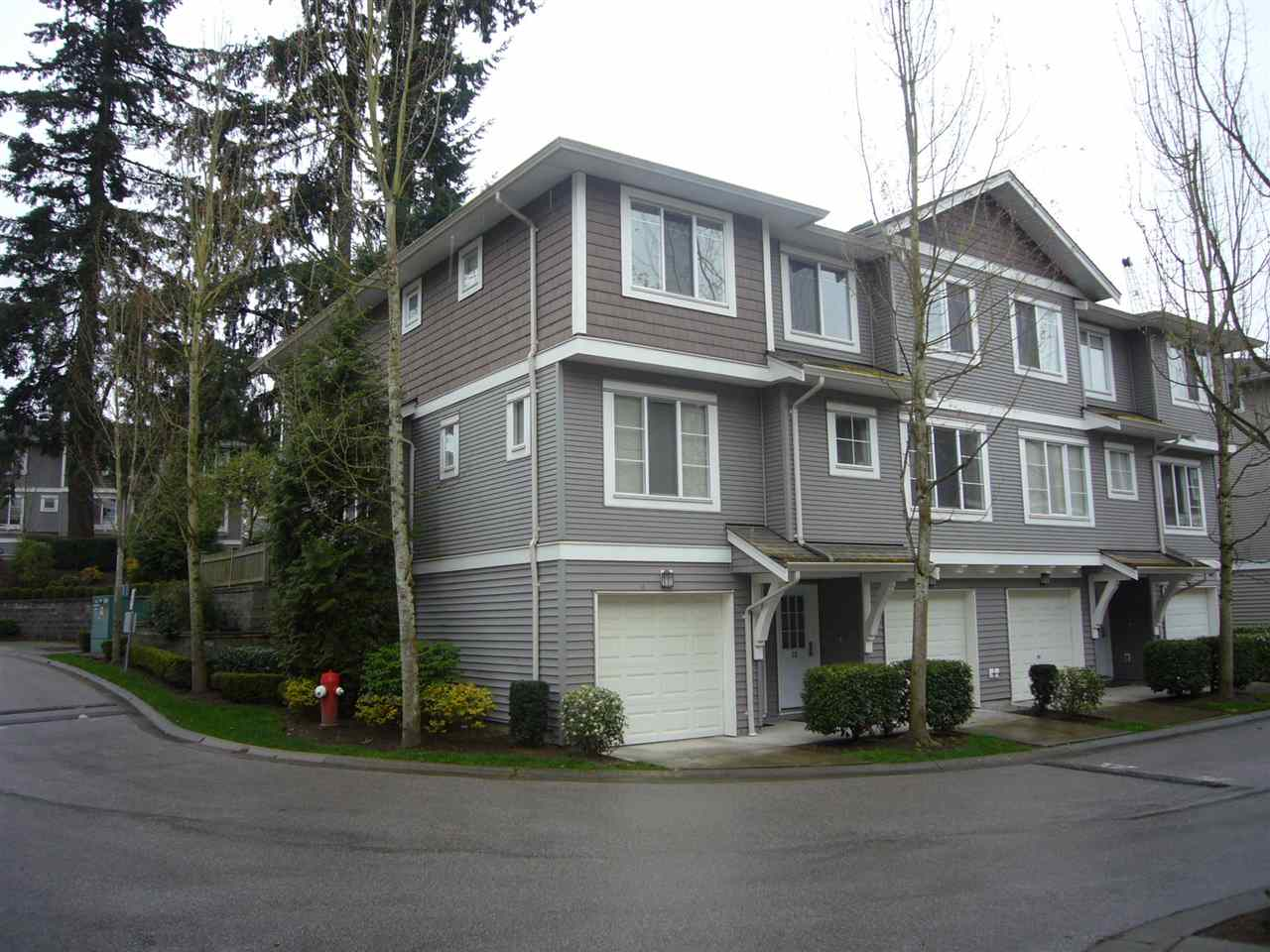 "Main Photo: 22 15155 62A Avenue in Surrey: Sullivan Station Townhouse for sale in ""Oaklands"" : MLS®# R2157338"