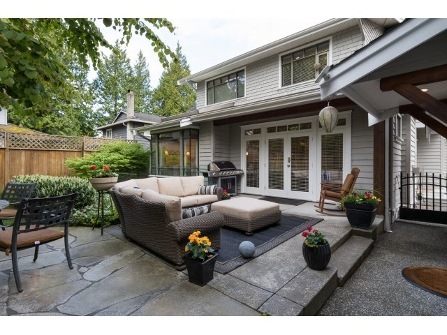 Photo 2: 12488 24A AVENUE in South Surrey White Rock: Home for sale : MLS® # R2057071
