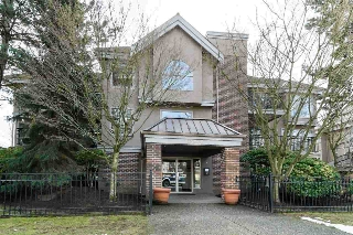 "Main Photo: 104 15440 VINE Avenue: White Rock Condo for sale in ""THE COURTYARDS"" (South Surrey White Rock)  : MLS(r) # R2178696"