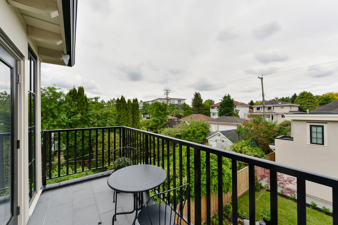 Photo 18: 440 W 23RD Avenue in Vancouver: Cambie House for sale (Vancouver West)  : MLS(r) # R2179154