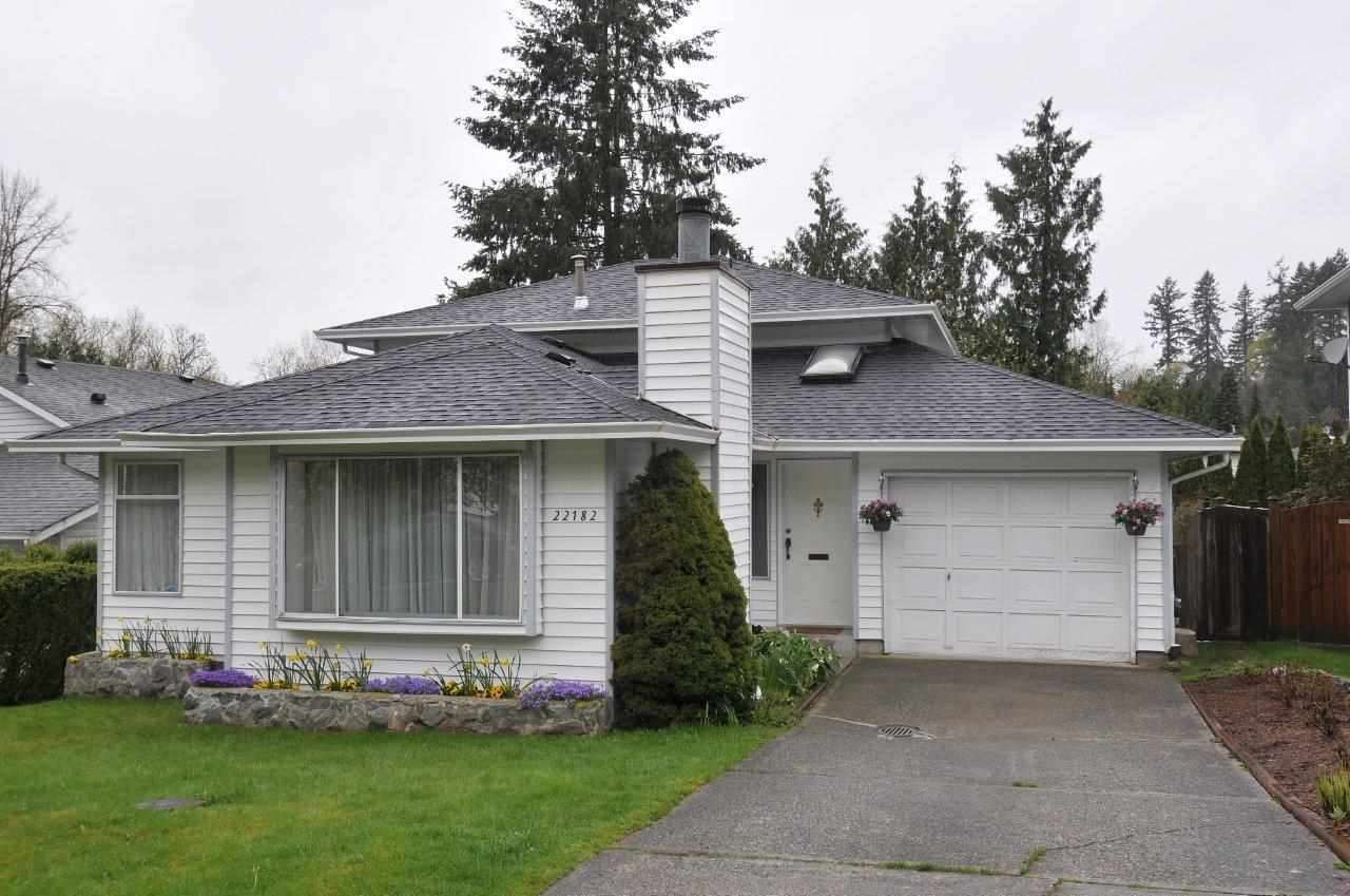 Main Photo: 22182 RIVER Bend in Maple Ridge: West Central House for sale : MLS®# R2266293