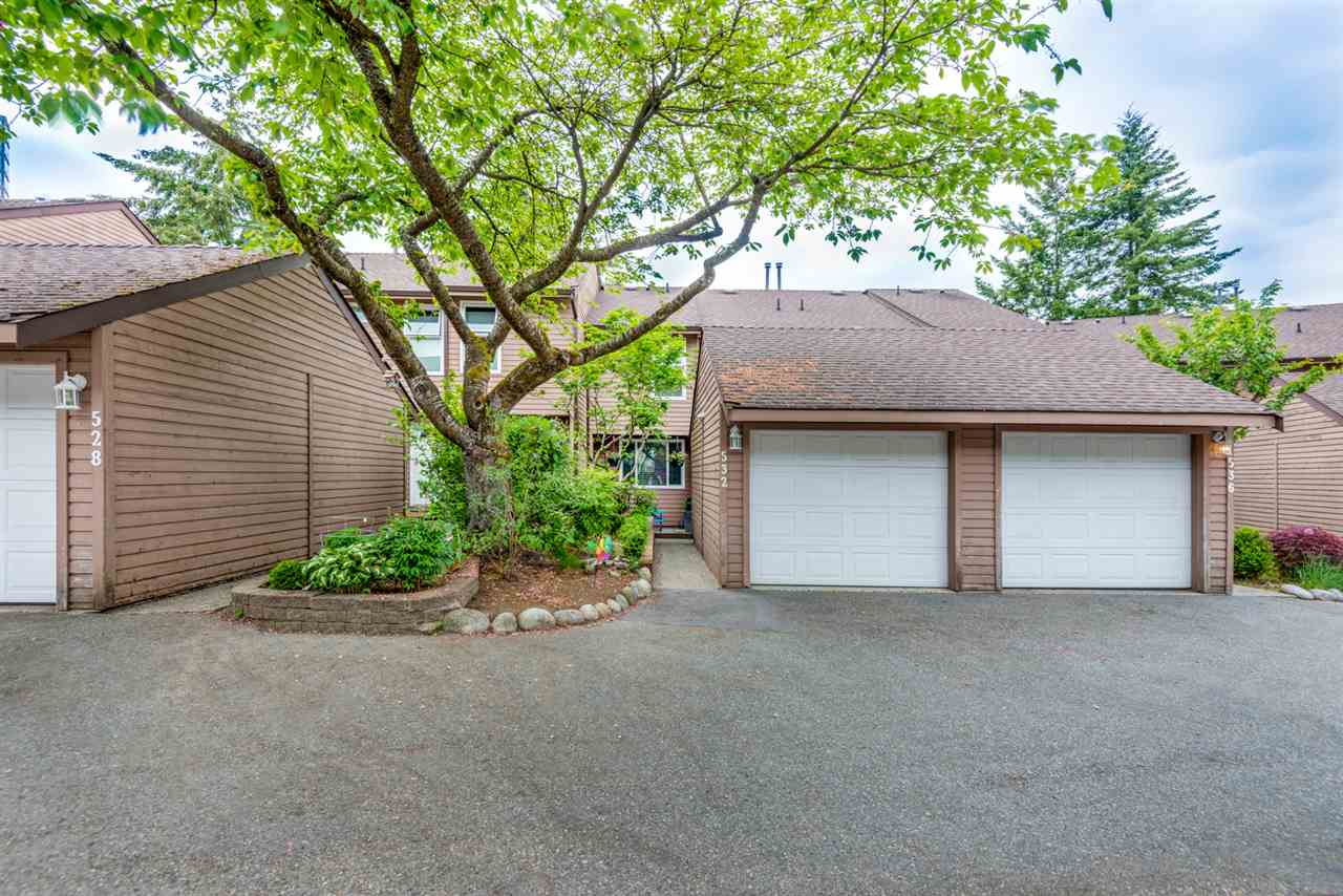 "Main Photo: 532 LEHMAN Place in Port Moody: North Shore Pt Moody Townhouse for sale in ""Eagle Point"" : MLS®# R2283314"