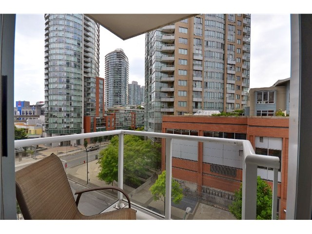 "Photo 7: 603 550 TAYLOR Street in Vancouver: Downtown VW Condo for sale in ""THE TAYLOR"" (Vancouver West)  : MLS® # V922562"