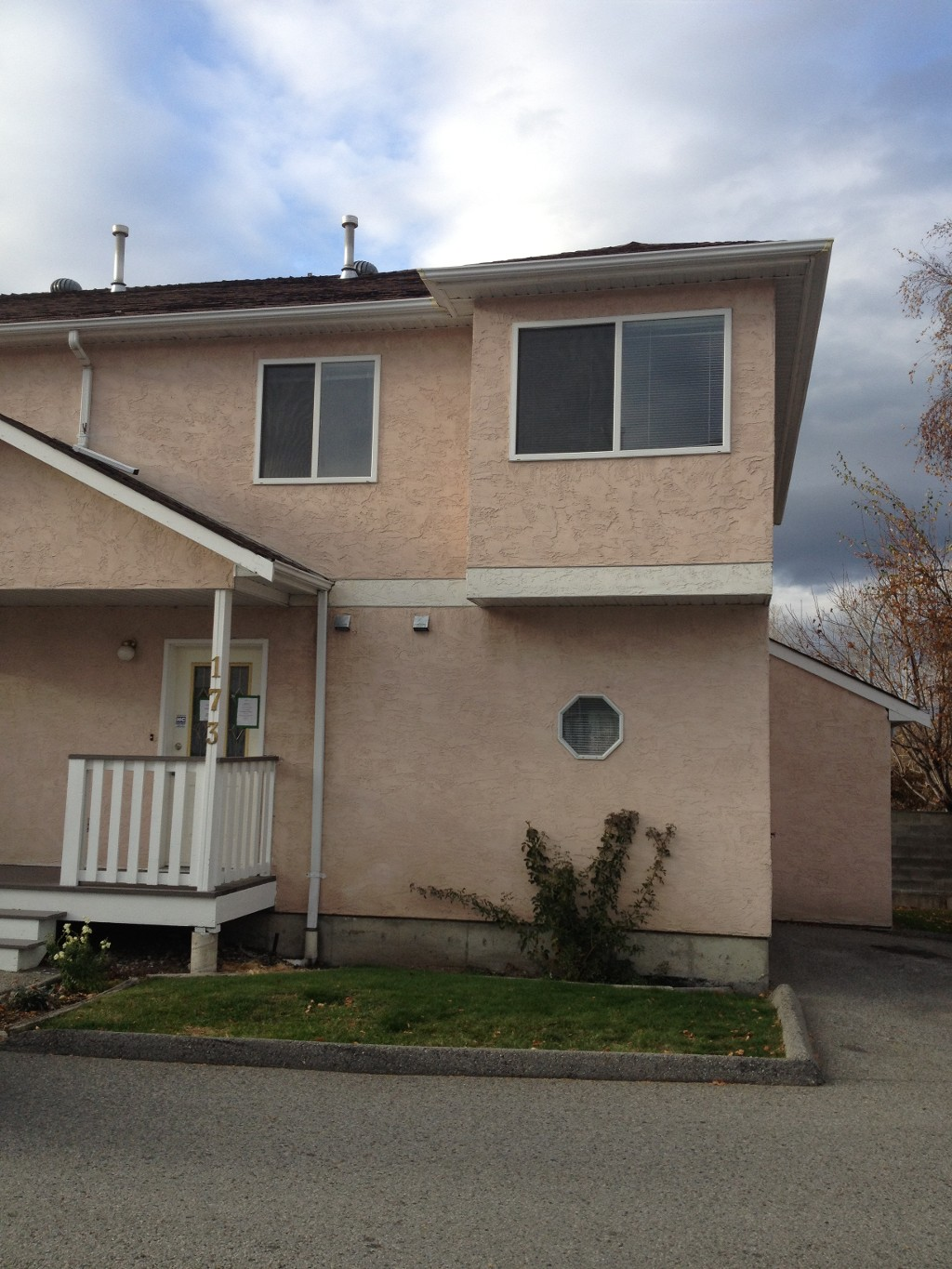 Main Photo: 173 1458 Penticton Avenue in Penticton: Columbia/Duncan Residential Attached for sale : MLS® # 140560