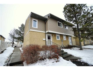 Main Photo:  in Edmonton: Zone 29 Townhouse for sale : MLS(r) # E3397565