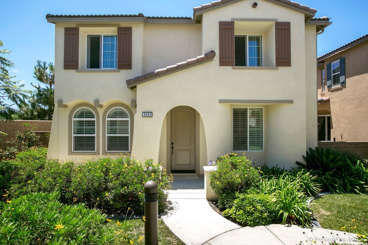 Main Photo: CARLSBAD EAST House for sale : 5 bedrooms : 3593 Summit Trail CT in Carlsbad