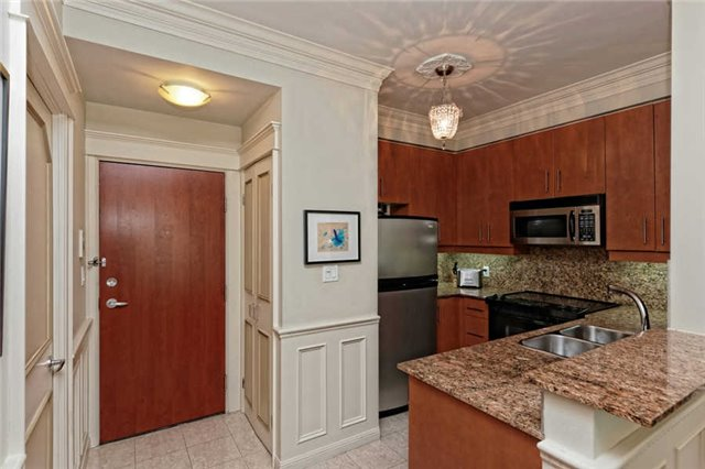 Photo 15: 1208 300 E Bloor Street in Toronto: Rosedale-Moore Park Condo for sale (Toronto C09)  : MLS(r) # C3474558