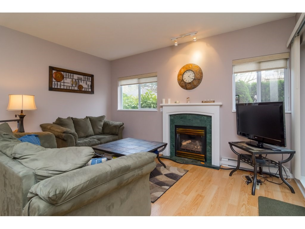 "Photo 7: 103 13727 74 Avenue in Surrey: East Newton Condo for sale in ""King's Court - Newton Centre"" : MLS(r) # R2126429"