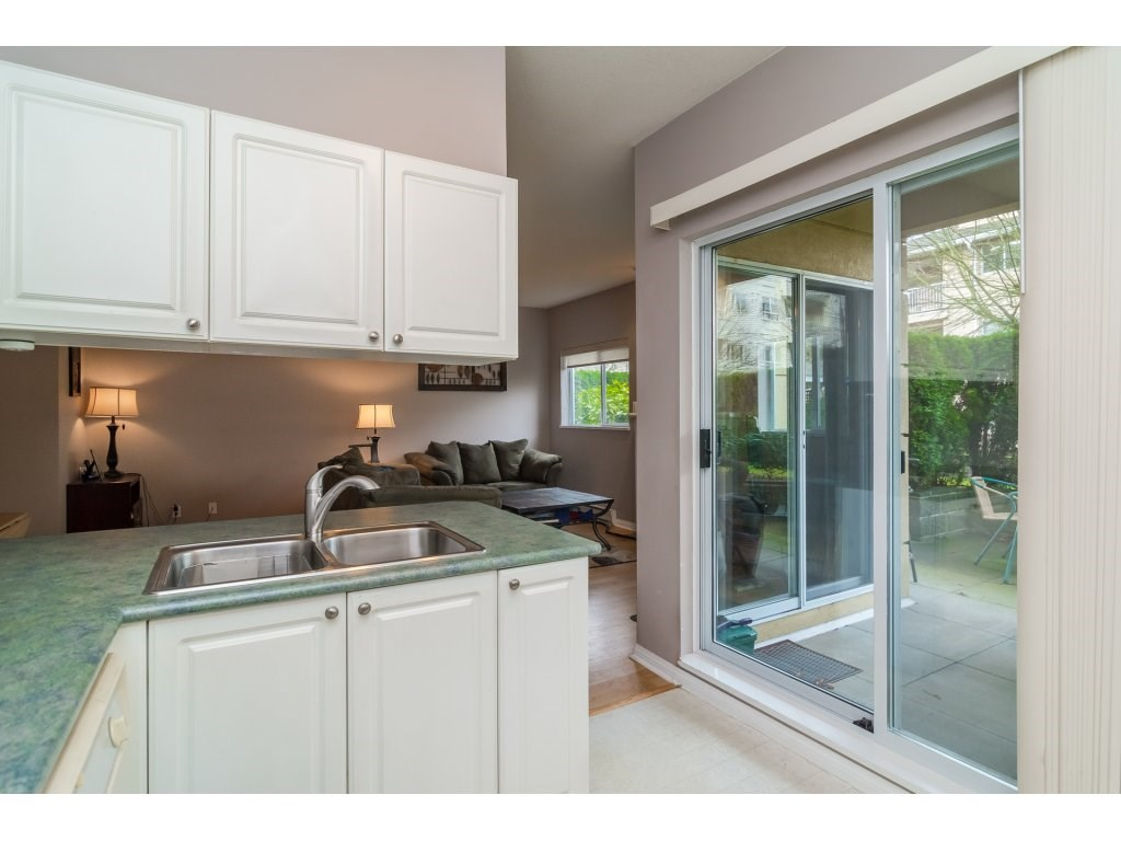 "Photo 11: 103 13727 74 Avenue in Surrey: East Newton Condo for sale in ""King's Court - Newton Centre"" : MLS(r) # R2126429"