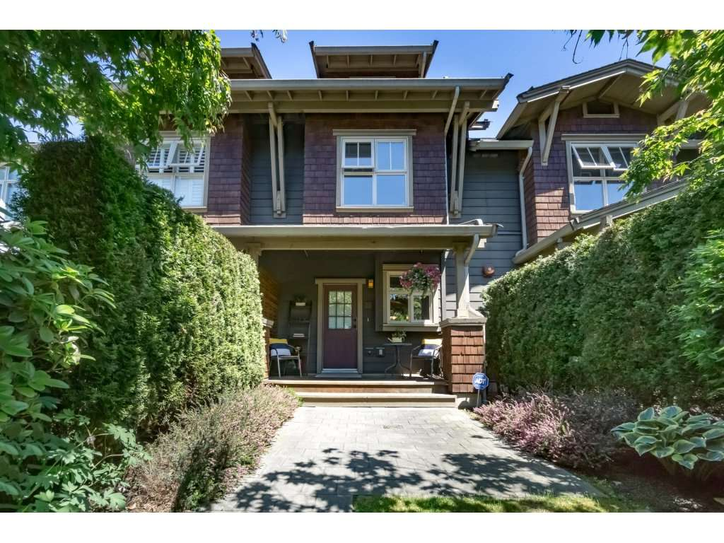 "Main Photo: 234 600 PARK Crescent in New Westminster: GlenBrooke North Townhouse for sale in ""ROYCROFT"" : MLS®# R2168010"
