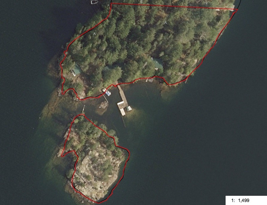 1.97 Acre property consisting of a 1.48 acre main parcel featuring 3 cottages and a .49 acre island. The property is gentle sloped and almost level with nicest easy access to the lake possible.