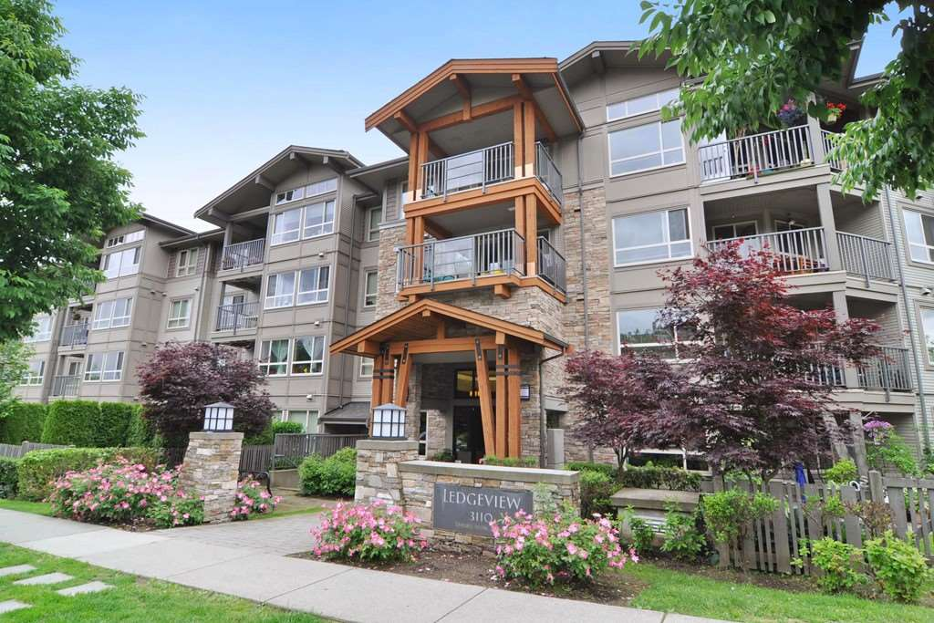 Main Photo: 403 3110 DAYANEE SPRINGS BOULEVARD in Coquitlam: Westwood Plateau Condo for sale : MLS(r) # R2177706