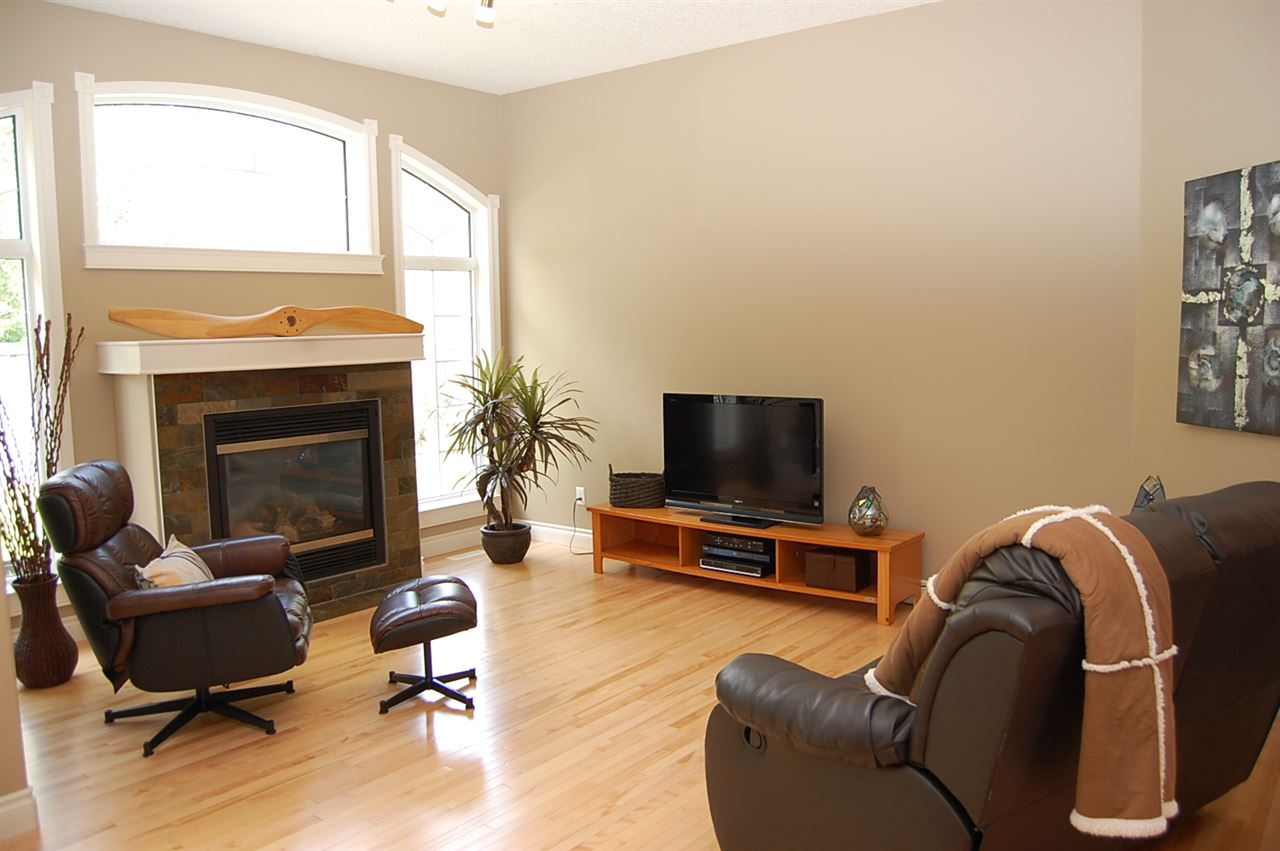 Photo 7: 930 HOPE Way in Edmonton: Zone 58 House for sale : MLS(r) # E4071682