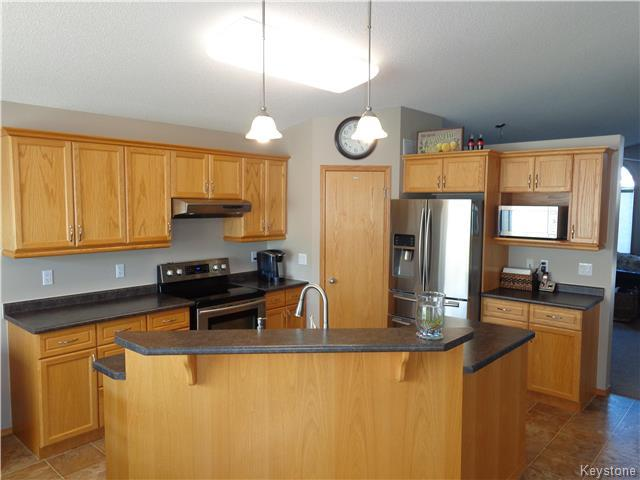 Photo 2: 34 Greyhawk Cove in Winnipeg: South Pointe Residential for sale (1R)  : MLS® # 1722718