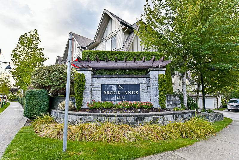 "Main Photo: 74 15175 62A Avenue in Surrey: Sullivan Station Townhouse for sale in ""Brooklands"" : MLS® # R2207663"