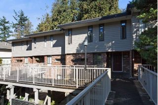 "Main Photo: 115 5622 16 Avenue in Delta: Beach Grove Townhouse for sale in ""TSAWWASSEN MEWS"" (Tsawwassen)  : MLS® # R2225330"