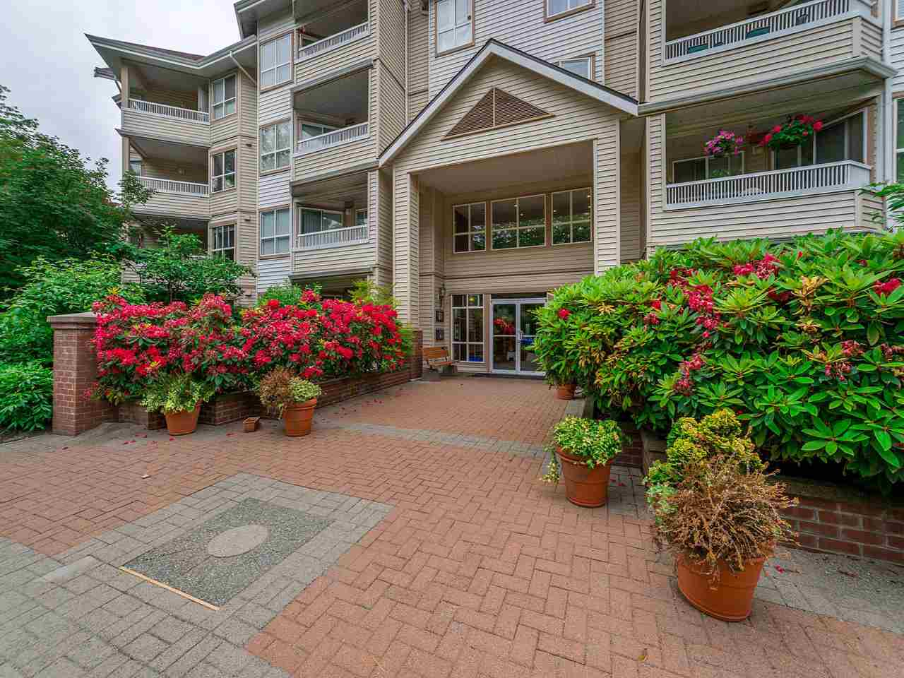 "Main Photo: 301 8139 121A Street in Surrey: Queen Mary Park Surrey Condo for sale in ""THE BIRCHES"" : MLS®# R2278886"