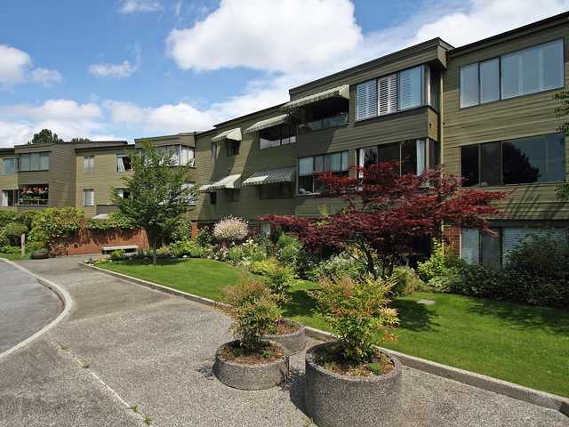 "Main Photo: 111 2298 MCBAIN Avenue in Vancouver: Quilchena Condo for sale in ""ARBUTUS VILLAGE"" (Vancouver West)  : MLS®# V900517"