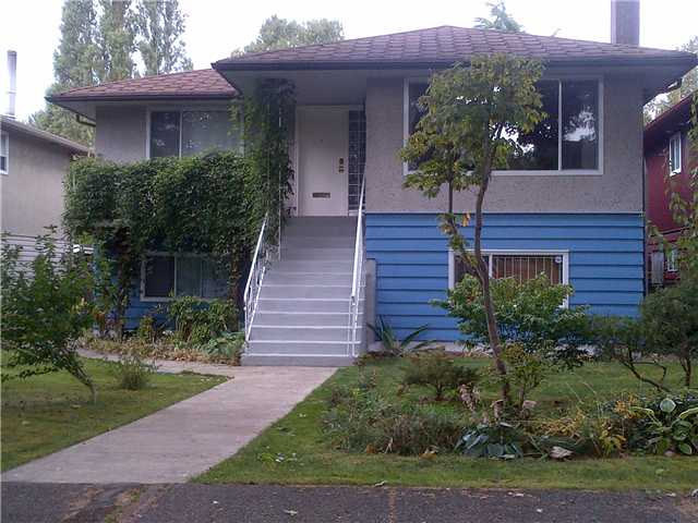 Main Photo: 2159 E 13TH Avenue in Vancouver: Grandview VE House for sale (Vancouver East)  : MLS® # V910902